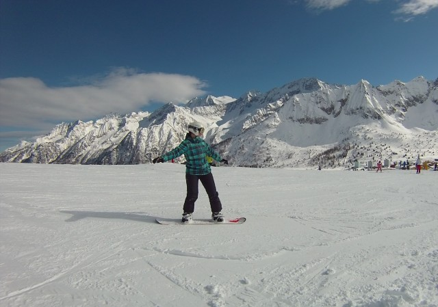 Snowboarding like a badass in Italy